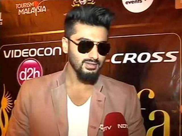 Video : IIFA is Sweet 16 But Arjun-Ranveer Are '<i>Satra Pe Khatra</i>'