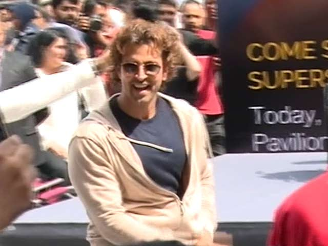 Video : Love And Affection At IIFA 2015 Makes Hrithik Emotional