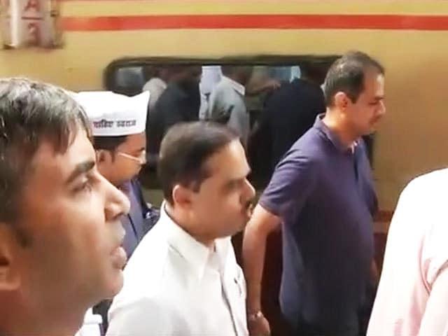 Video : जितेंद्र तोमर की फर्जी डिग्रियों का राज खंगालने दिल्ली पुलिस पहुंची फैजाबाद