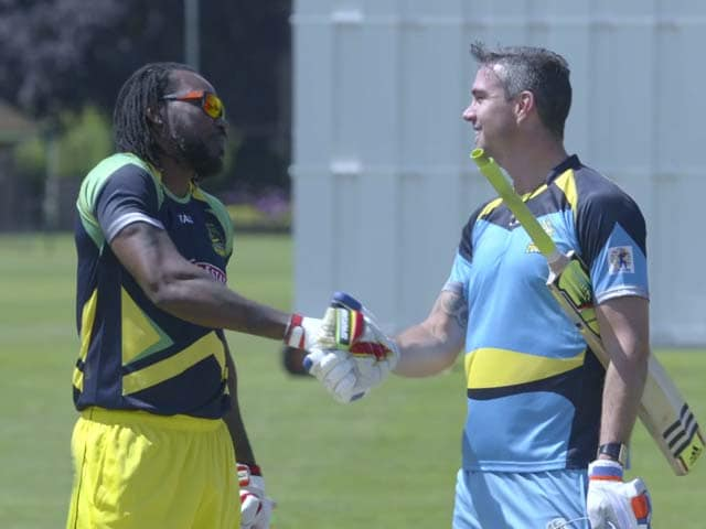 Video : Chris Gayle vs Kevin Pietersen in a Bashful Battle for the Longest Six!