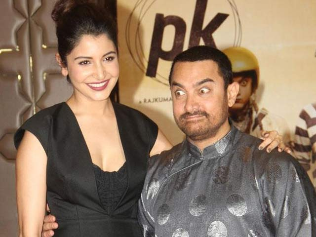 Aamir Wore Jackie Chan's Gift to PK Party
