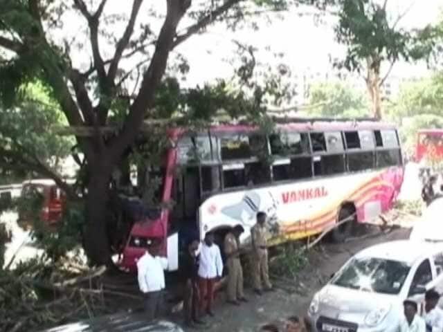 Video : स्पीड न्यूज : पुणे के पास सड़क हादसे में छह की मौत