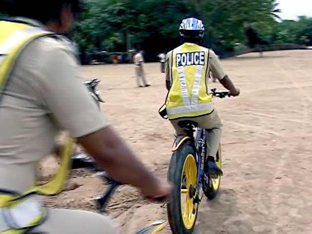 Video : मुंबई पुलिस साइकिल से करेगी समुद्री तट की सुरक्षा
