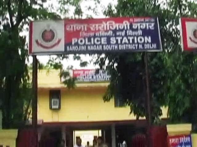 Video : दिल्ली में ढाई साल की बच्ची पर यौन हमला, खून से लथपथ मिली बच्ची