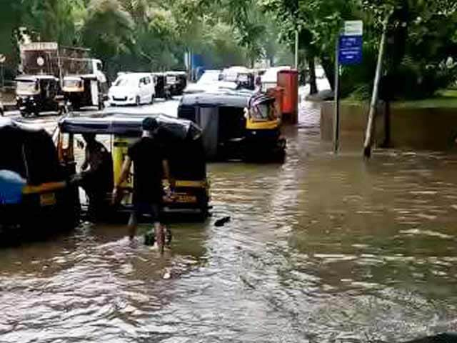 Video : Mumbai Beaten by Rain, Santa Cruz Worst Hit