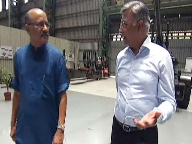 Video : 'अगले 10-15 साल में हम तोपखाने में चोटी के 3 देशों में आना चाहते हैं'