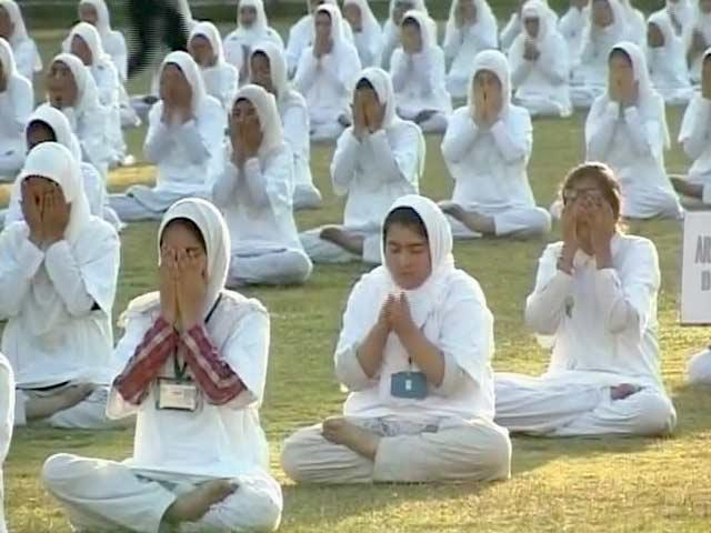 Videos : श्रीनगर में स्कूली बच्चों ने कहा, योग करके हमें बहुत अच्छा लगा