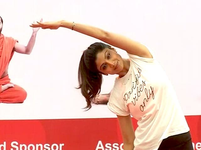 Video : बेंगलुरु में योग दिवस कार्यक्रम में शामिल हुईं शिल्पा शेट्टी