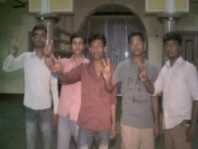 Video : 18 Students From One Village in Bihar Crack IIT