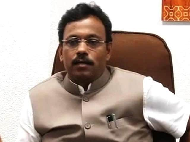 Video : My Degree is Not Bogus, Says Maharashtra Education Minister Vinod Tawde