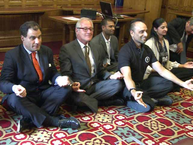 Video : In UK Parliament, Lords Have an Hour-Long Yoga Session