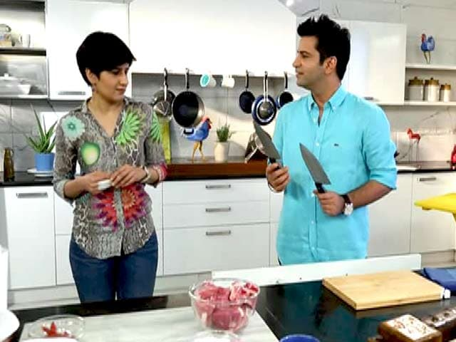 Video : Chef Kunal Kapur Prepares <i>Lal Maas</i> for Neeti Palta on <i> My Yellow Table </i>