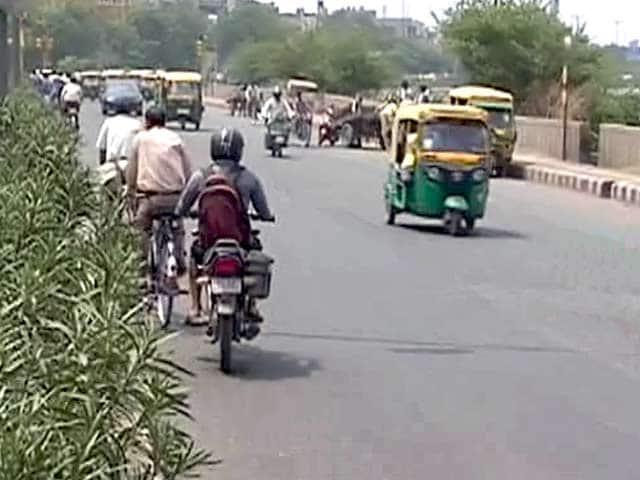 Videos : दिल्ली में ट्रैफिक पुलिस ने दो साल में वसूले दो अरब से ज़्यादा रुपये