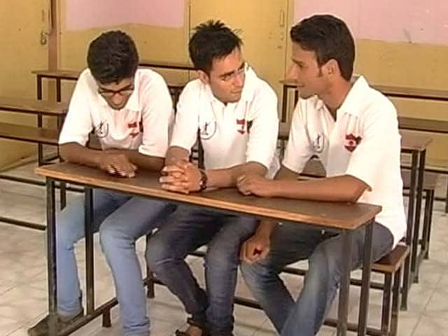 Video : Why These Kashmiri Boys May Miss Their IIT Dream