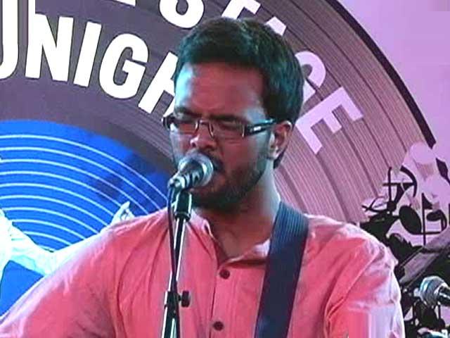 Video : <i>The Music Hour</i> With Advaita and Adrian Pradhan