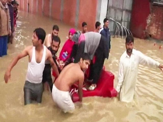 Video : Home Ministry Flouted Norms in Paying for Rescue Ops During Flood, Say Officials in Jammu and Kashmir
