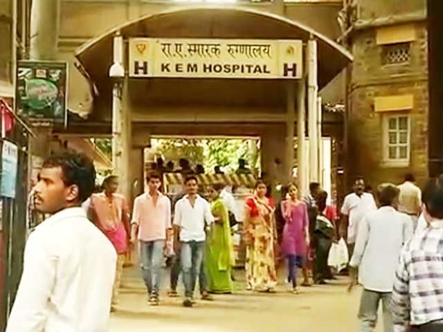 Video : Over 4,000 Doctors Begin Indefinite Strike in Maharashtra