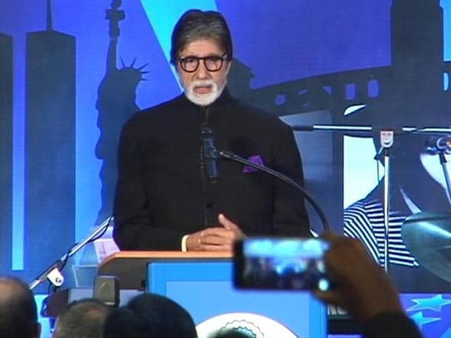 Video : Big B's Witty Speech at US Independence Day Celebration