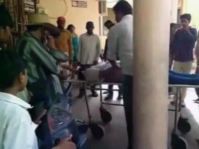 Videos : व्यापमं घोटाले की कवरेज करते वक्त टीवी पत्रकार की संदिग्ध हालात में मौत
