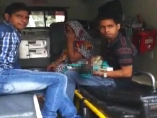 Video : Baby Dies After 3 Government Hospitals in Delhi Refuse Treatment