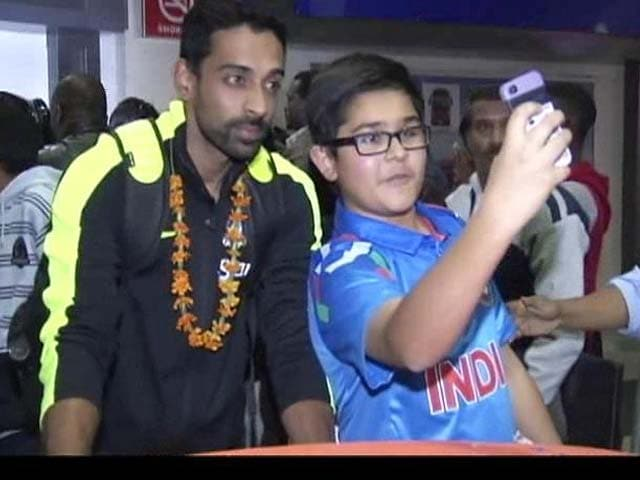 Video : Team India Gets a Huge Reception From Fans in Harare
