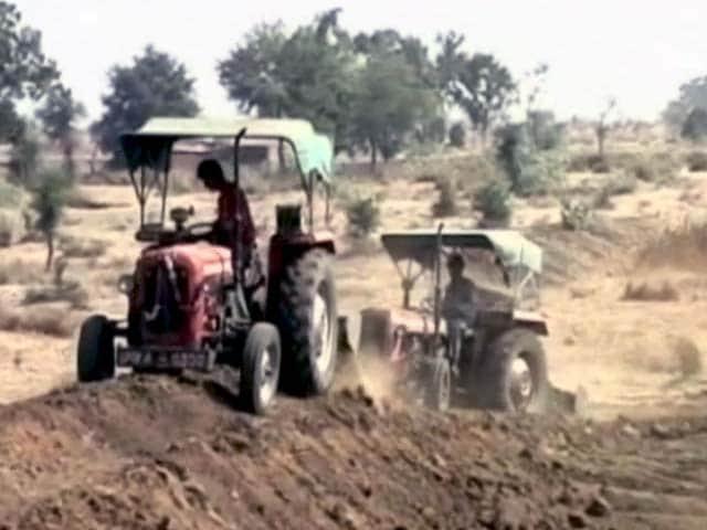 Videos : दुनिया की सबसे बड़ी योजना MNREGA में भी संसोधन की जरूरत है