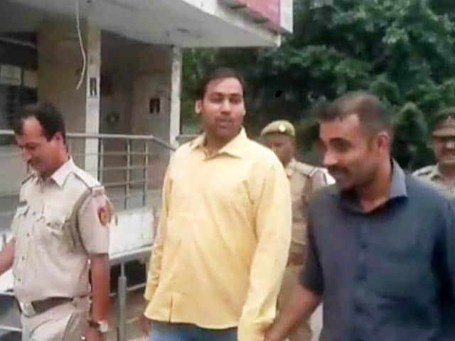 Video : AAP Lawmaker Manoj Kumar Arrested by Delhi Police in Land Grab Case