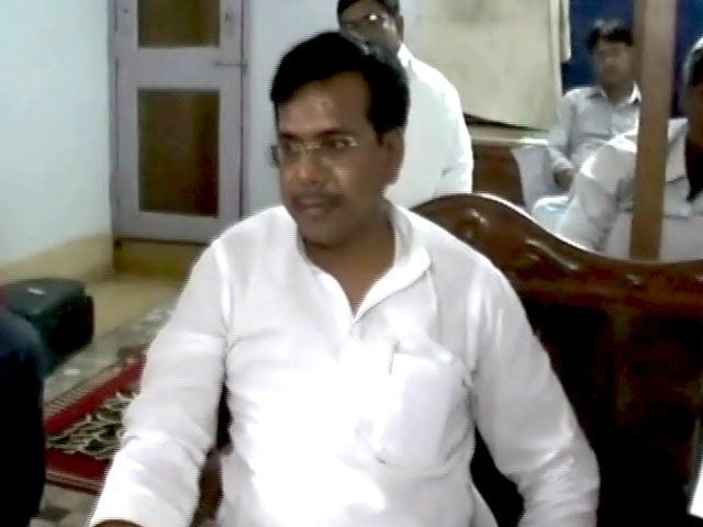 Videos : बिहार विधान परिषद चुनाव में किस्मत आज़मा रहे रंजीत डॉन को 'डॉन' कहलाने पर आपत्ति
