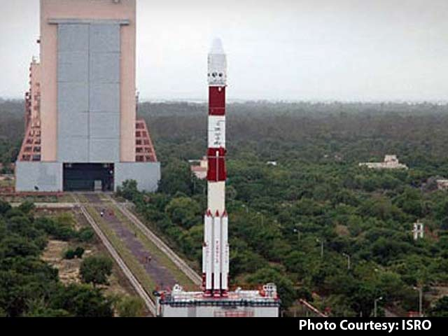 Video : Britain Rents Indian Rocket for Landmark Launch of 5 Satellites