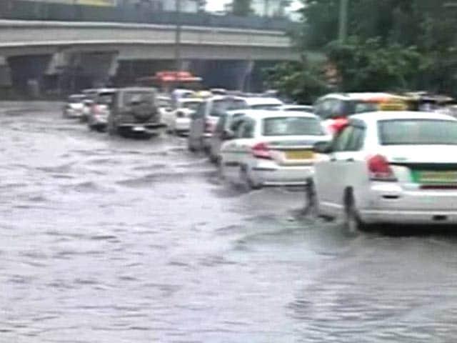 Video : Heavy Rain Lashes North India, Parts of Delhi Waterlogged