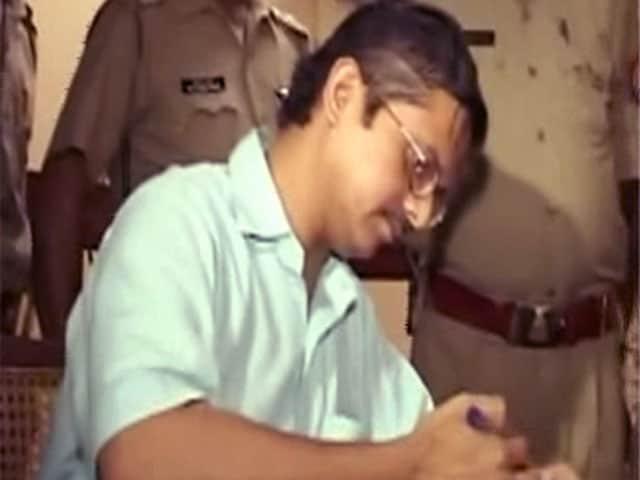 Videos : यूपी सरकार ने आईजी अमिताभ ठाकुर को किया सस्पेंड, गृह मंत्रालय से मांग रहे हैं मदद