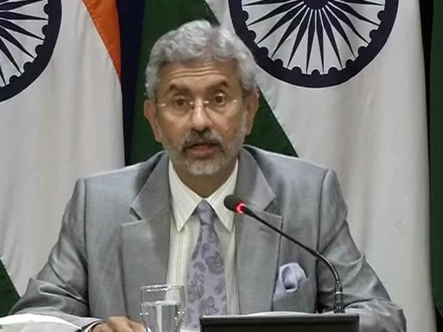 Video : 'Committed to Peace, Won't Let Our Guard Down': Foreign Secretary on Pak Firing