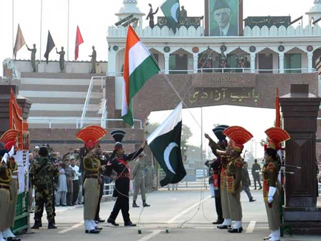 Video : India's Sweets Refused on Eid by Pakistan Soldiers on Border