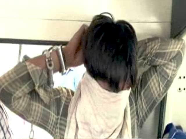 Video : दिल्ली में गिरफ्तार सीरियल रेपिस्ट किलर ने 11 बच्चों की हत्या की बात कबूली