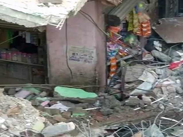 Video : विष्णु गार्डन में बिल्डिंग गिरने से 5 की मौत, दो दिन बाद भी सवाल वही, ज़िम्मेदार कौन?