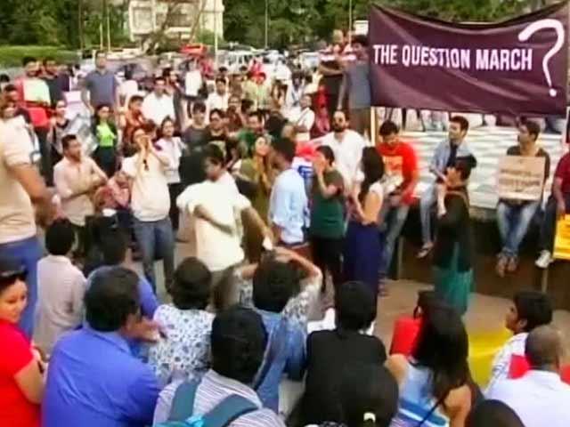 Videos : प्राइम टाइम इंट्रो : शिक्षण संस्थाओं का भगवाकरण?