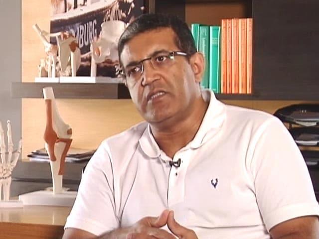 Videos : फिट रहे इंडिया : बच्चों को स्पोर्ट्स खिलाते वक्त इन बातों का ध्यान रखें