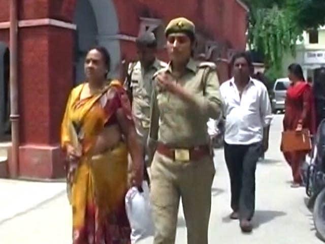 Video : महिला पर ट्रैक्टर चढ़ाने वाली बिजनौर की 'दबंग' महिला को भेजा गया जेल