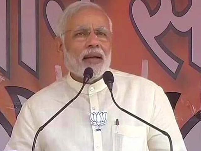 Video : PM Modi vs Nitish Kumar: Gloves Come Off in a 'DNA' Slugfest