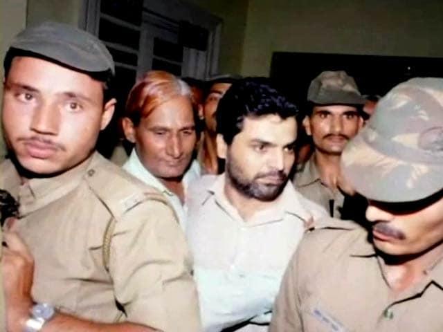 Videos : इंडिया 9 बजे : याकूब को फांसी के खिलाफ उठी आवाजें