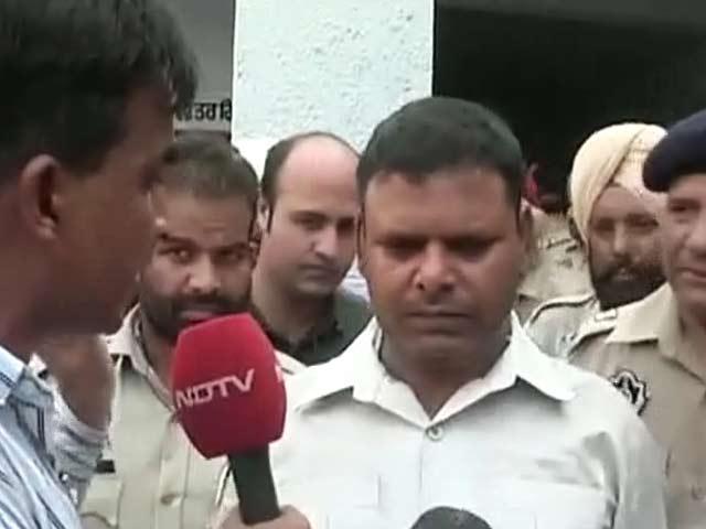 Videos : गुरदासपुर हमला : 12 घंटे तक छिपकर जान बचाने वाले होमगार्ड से सुनें सारा हाल