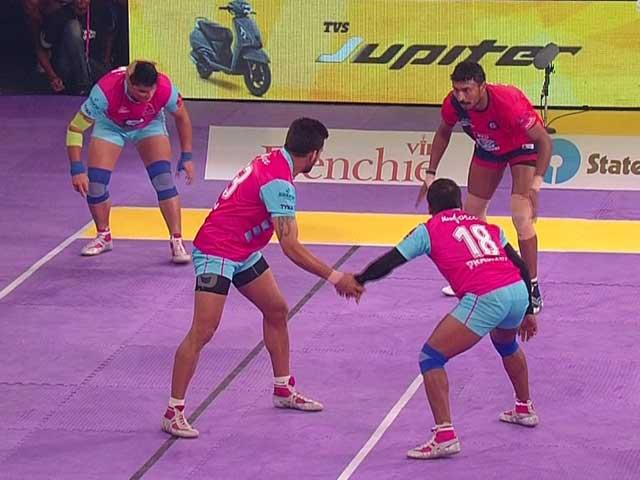 Video : Pro Kabaddi League: Dabang Delhi Outclass Defending Champs Jaipur Pink Panthers