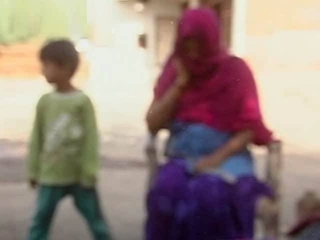 Videos : गुजरात :  रेप पीड़िता को गर्भपात की इजाज़त, डॉक्टरों की टीम का फ़ैसला