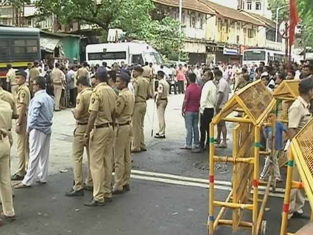 Video : Yakub Memon's Body Taken to Mumbai, Handed Over to Family