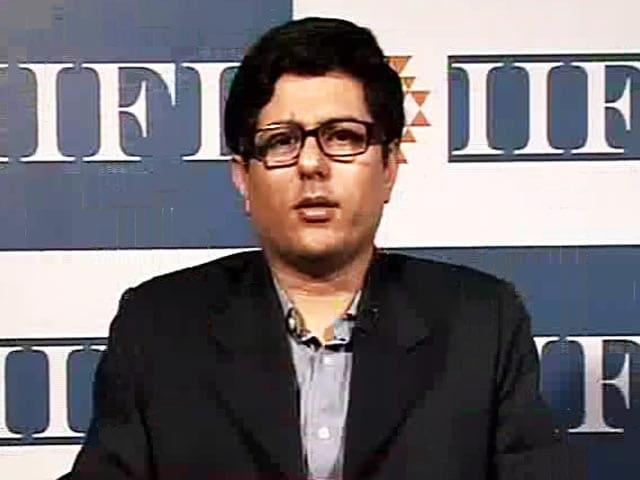Video : Buy Kotak Mahindra Bank for Long Term: IIFL AMC