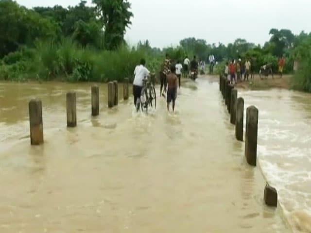 Video : Heavy Rains Worry Bengal Post Cyclone Komen