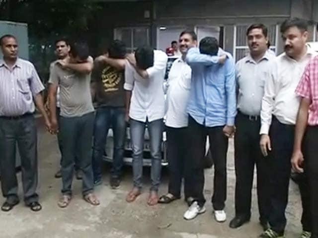 Videos : डीयू फर्जी एडमिशन मामला : कॉलेजों से मांगी एमपी और बिहार के छात्रों की लिस्ट