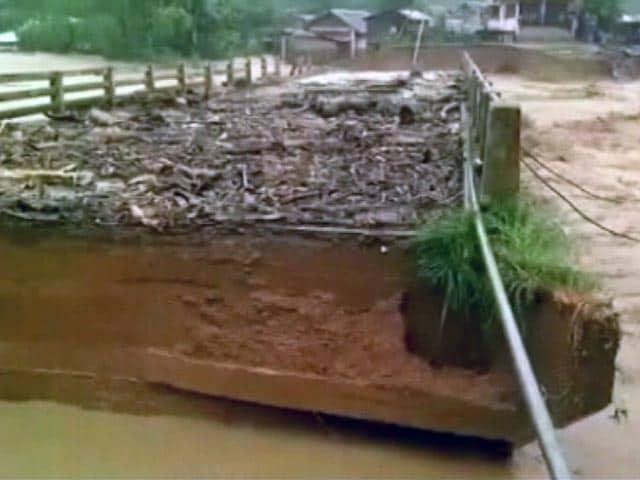 Video : मणिपुर के चांदेल में भारी बारिश से मची तबाही की तस्वीरें