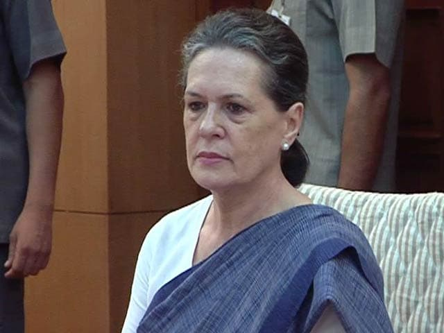 Video : 'Mann ki Baat PM Appears to Retreat into Maun Vrat': Sonia Gandhi