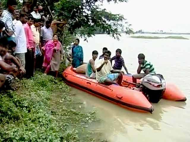 Video : बाढ़ से बदहाल पूर्वी भारत, पश्चिम बंगाल में पांच जिले हाई अलर्ट पर